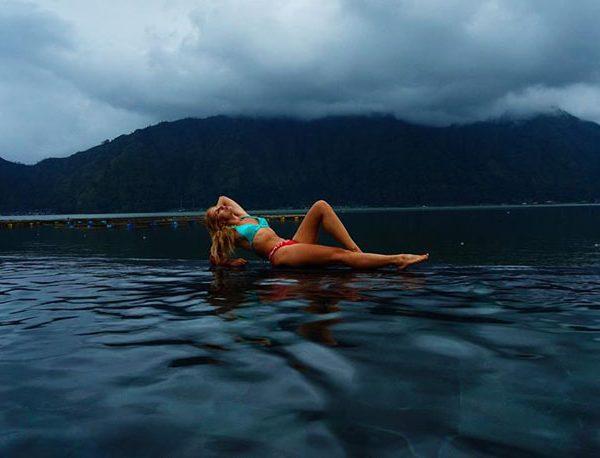 Mount batur trekking natural hot springs