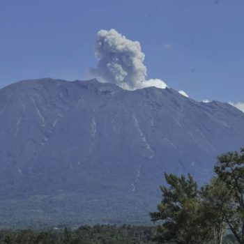 Mount Agung erupts again, ashes as high as 2,500 Meters
