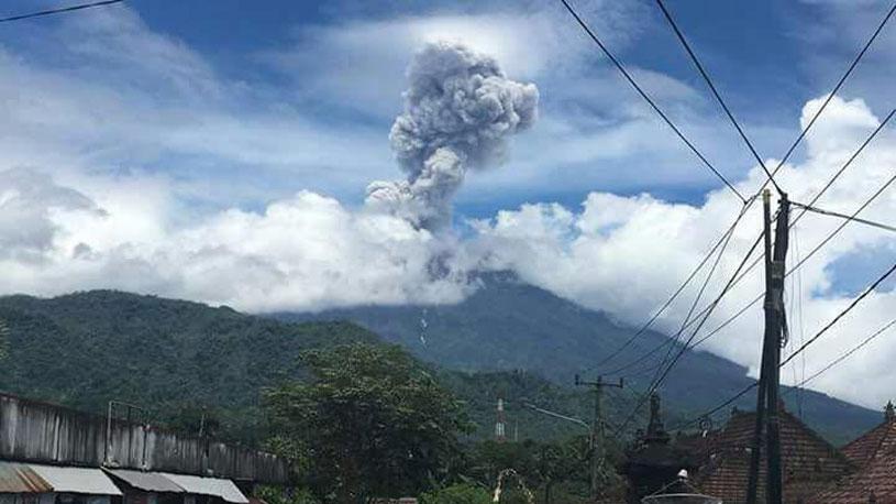 Mount Agung erupts again, ashes as high as 2,500 Meters